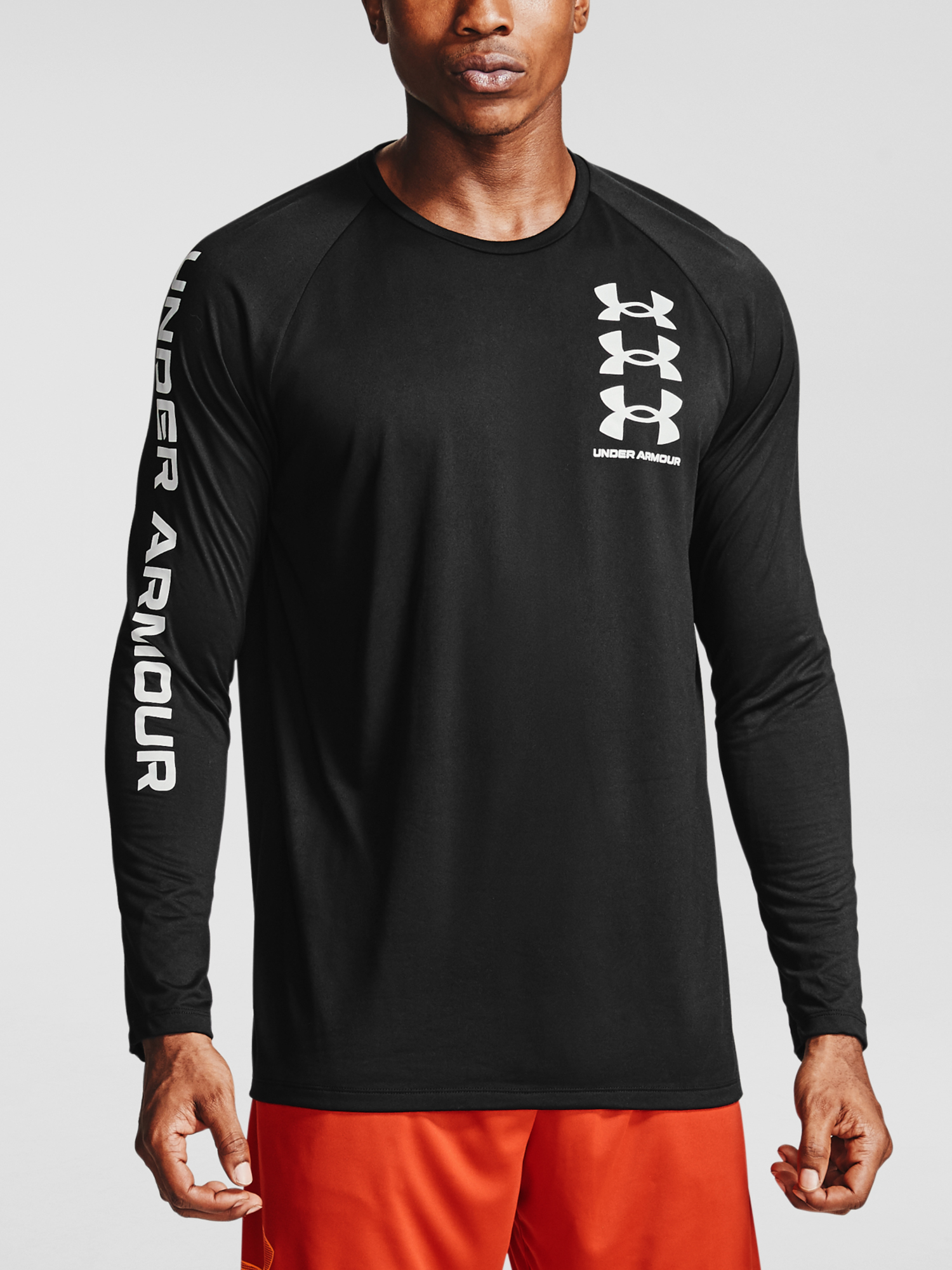 Tričko Under Armour TECH TRIPLE LOGO LS-BLK (1)