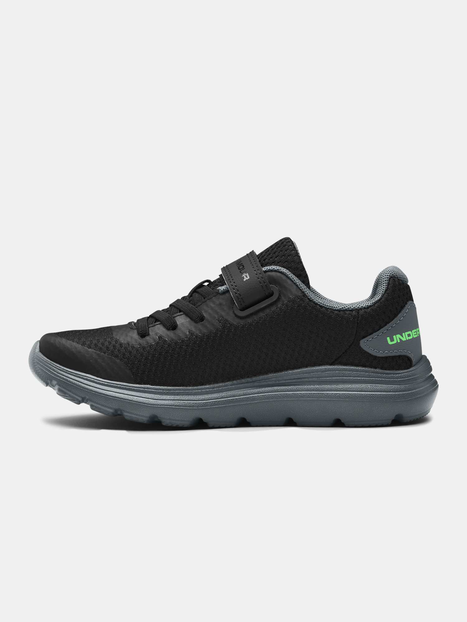 Topánky Under Armour PS Surge 2 AC-BLK (2)