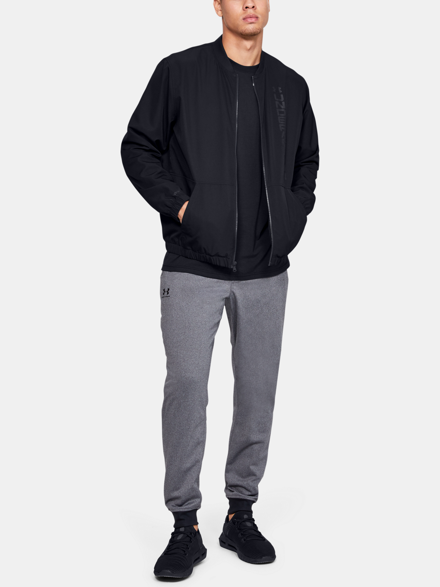 Bunda Under Armour Unstoppable Essential Bomber-Blk (6)