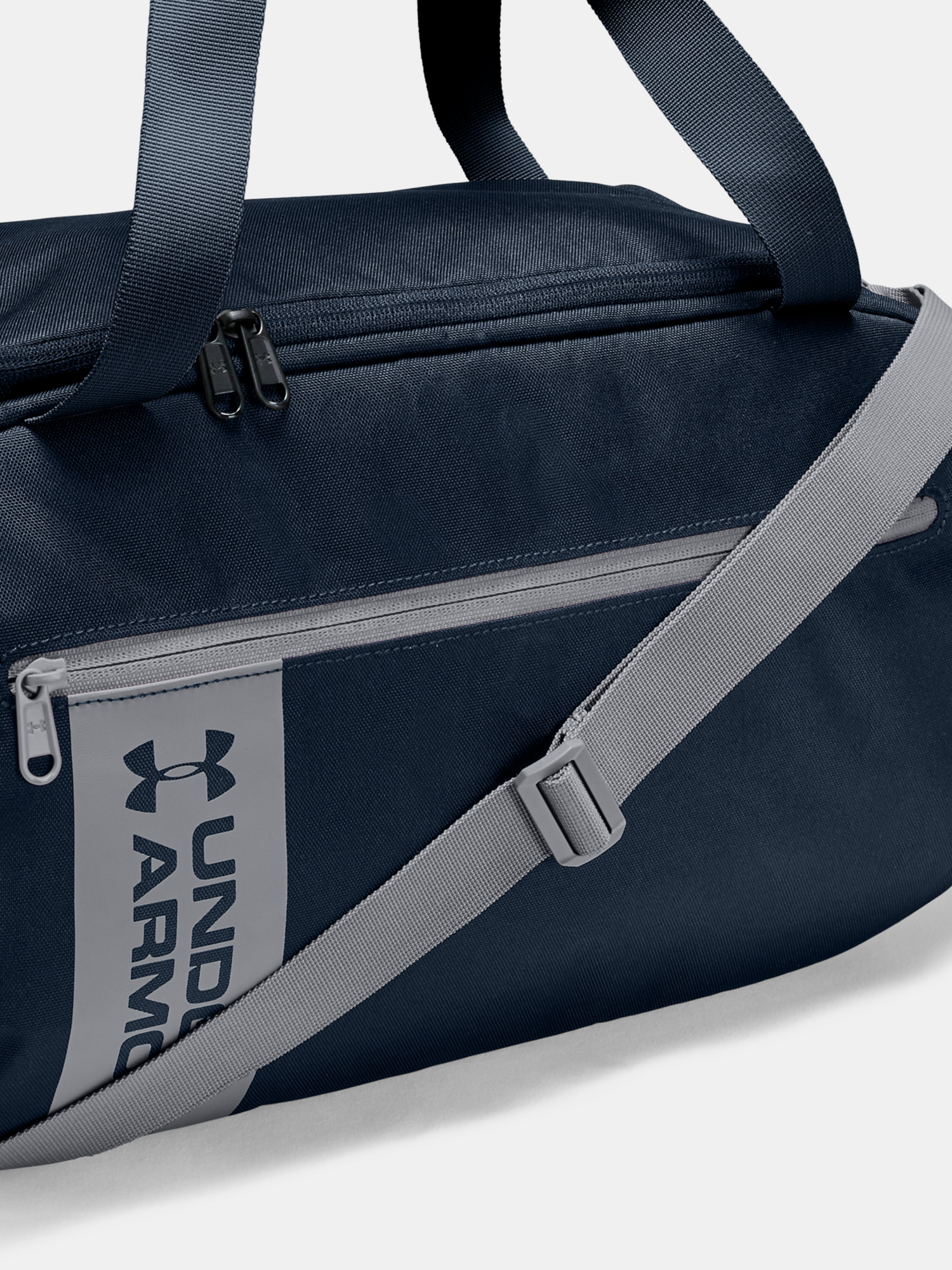 Taška Under Armour UA Roland Duffle SM-NVY (3)
