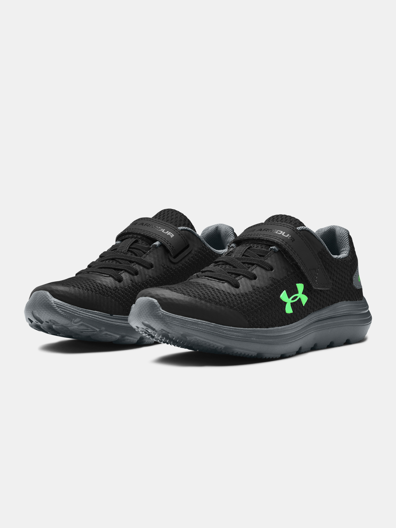 Topánky Under Armour PS Surge 2 AC-BLK (3)
