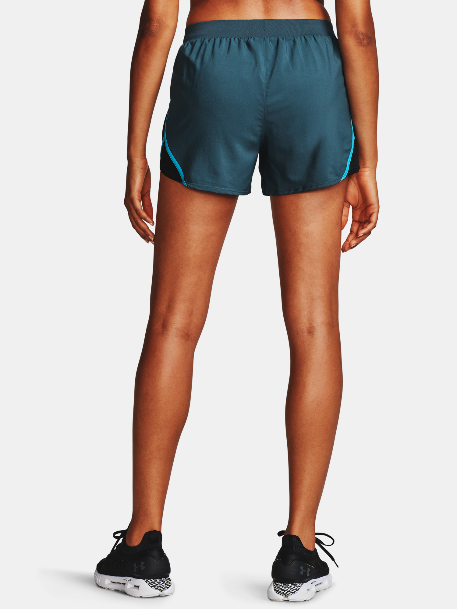 Kraťasy Under Armour W  Fly By 2.0 Short-BLU (2)