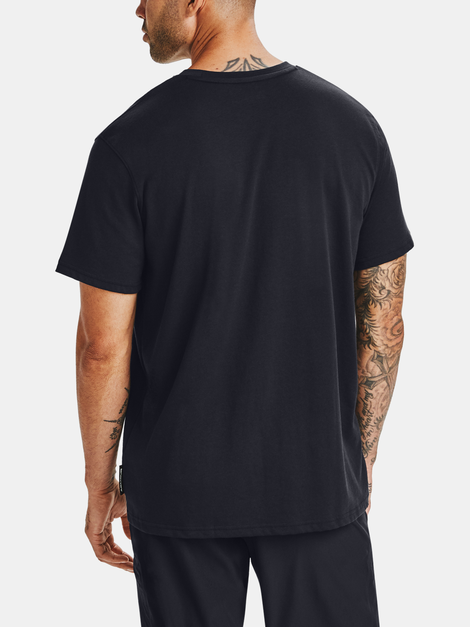 Tričko Under Armour CURRY EMBROIDERED TEE-BLK (2)