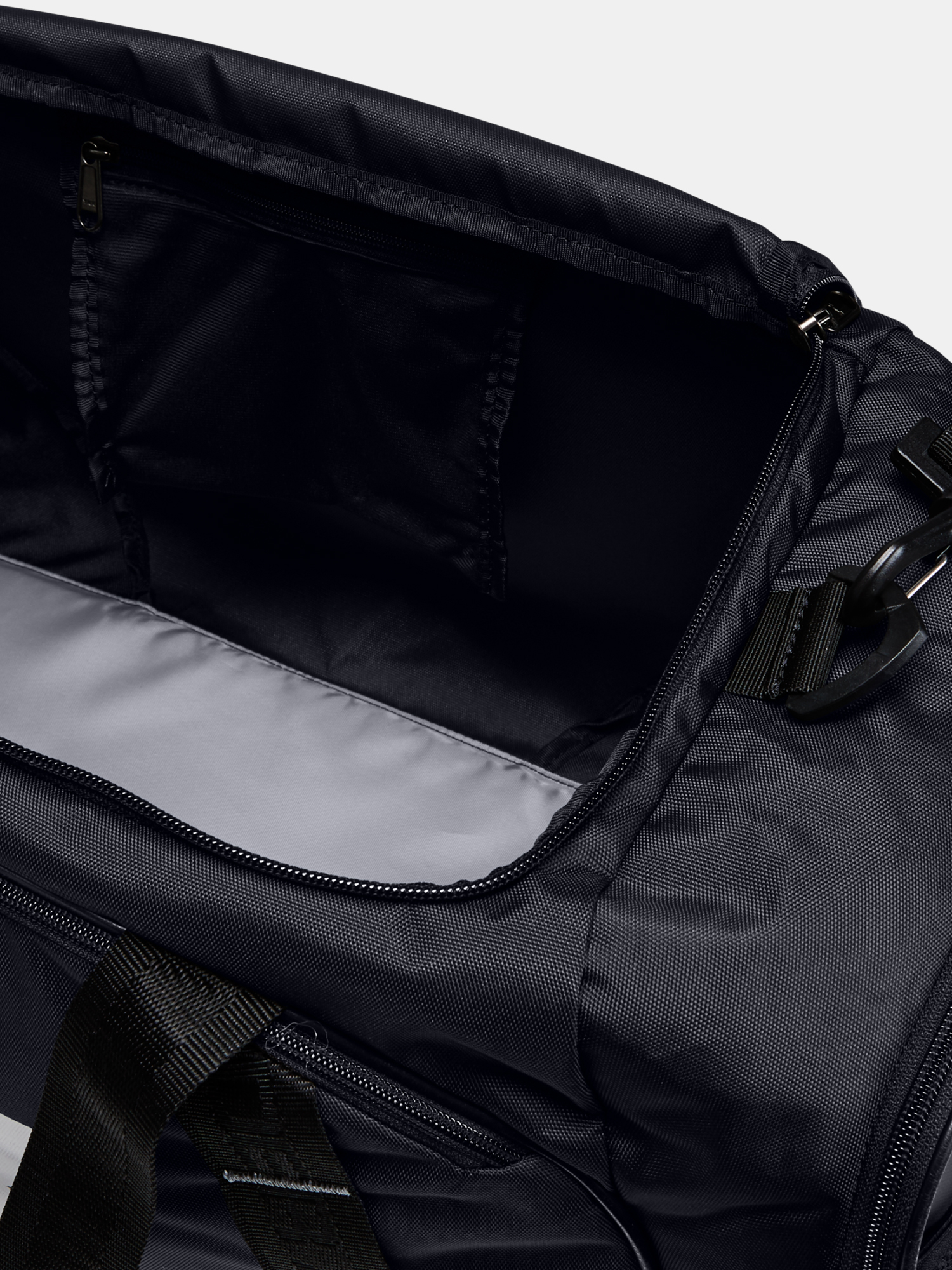 Taška Under Armour UA Undeniable Duffle 3.0 MD-BLK (7)