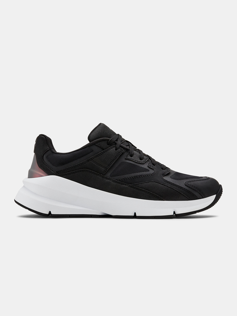 Topánky Under Armour Forge 96 CLRSHFT-BLK