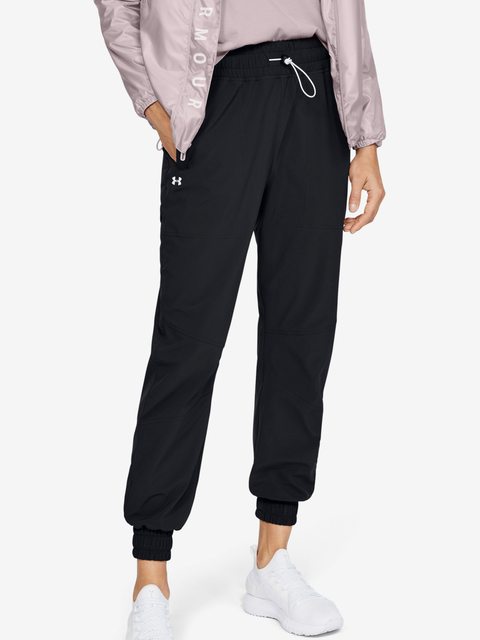 Tepláky Under Armour Recover Woven Pants-BLK