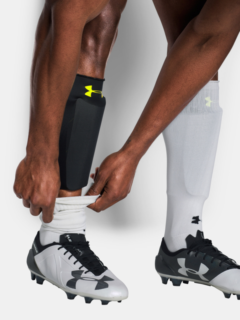Stulpny Under Armour Shinguard Sleeves-BLK